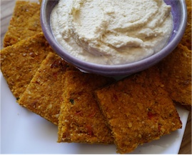 Carrot-pulp-crackers-with-hummus